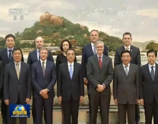李克强总理在人民大会堂接见艾默生总裁