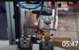 05:47 工厂令人佩服的工业机械自动化流水生产线设备装配生产制造阀门 (468播放)